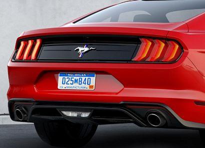 2018 Mustang Pony Package rear fascia