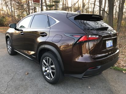 2016 lexus nx 300h driving impressions lotpro. Black Bedroom Furniture Sets. Home Design Ideas