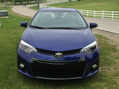 2015 toyota corolla s plus driving impressions lotpro. Black Bedroom Furniture Sets. Home Design Ideas