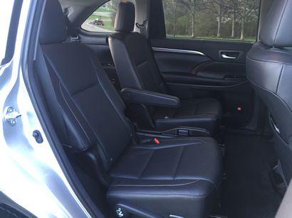 2016 toyota highlander hybrid limited driving impressions. Black Bedroom Furniture Sets. Home Design Ideas