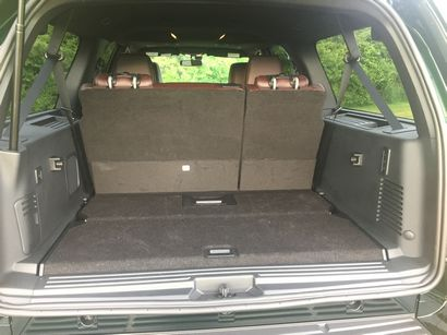 Ford Expedition Platinum El Cargo Area Behind The Rd Row