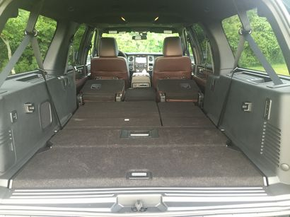 Ford Expedition Platinum El Cargo Area Nd And Rd Row Seats Folded