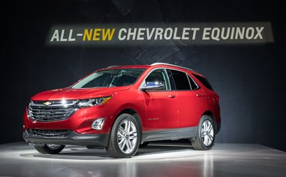 2018 Chevrolet Equinox introduction front 3/4 view