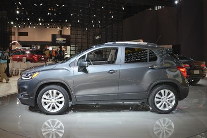 2017 Chevrolet Trax Premier side view