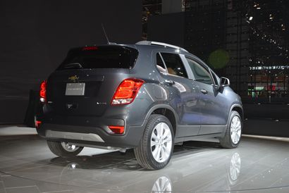 2017 Chevrolet Trax rear 3/4 view