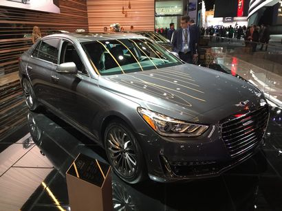 2017 Genesis G90 front 3/4 view