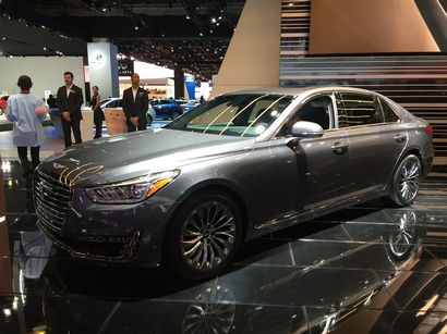 2017 Genesis G90 at the 2016 North American International Auto Show