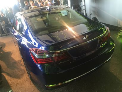 2017 Honda Accord Hybrid rear 3/4 view