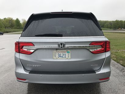 2018 Honda Odyssey Elite rear fascia detail