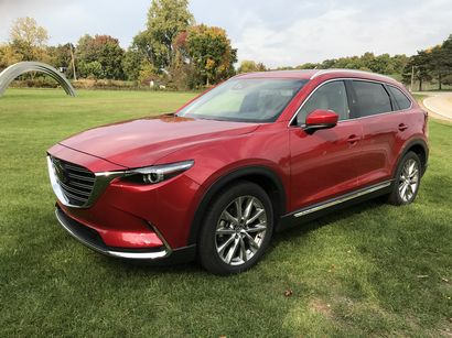 2016 Mazda CX-9 Grand Touring AWD front 3/4 view