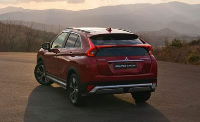 2018 Mitsubishi Eclipse Cross rear 3/4 view