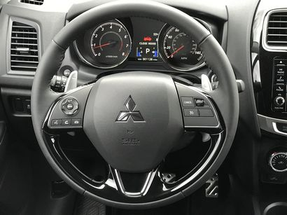 2017 Mitsubishi Outlander Sport steering wheel and instrumentation