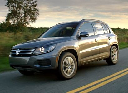2017 Volkswagen Tiguan Limited left front 3/4 view